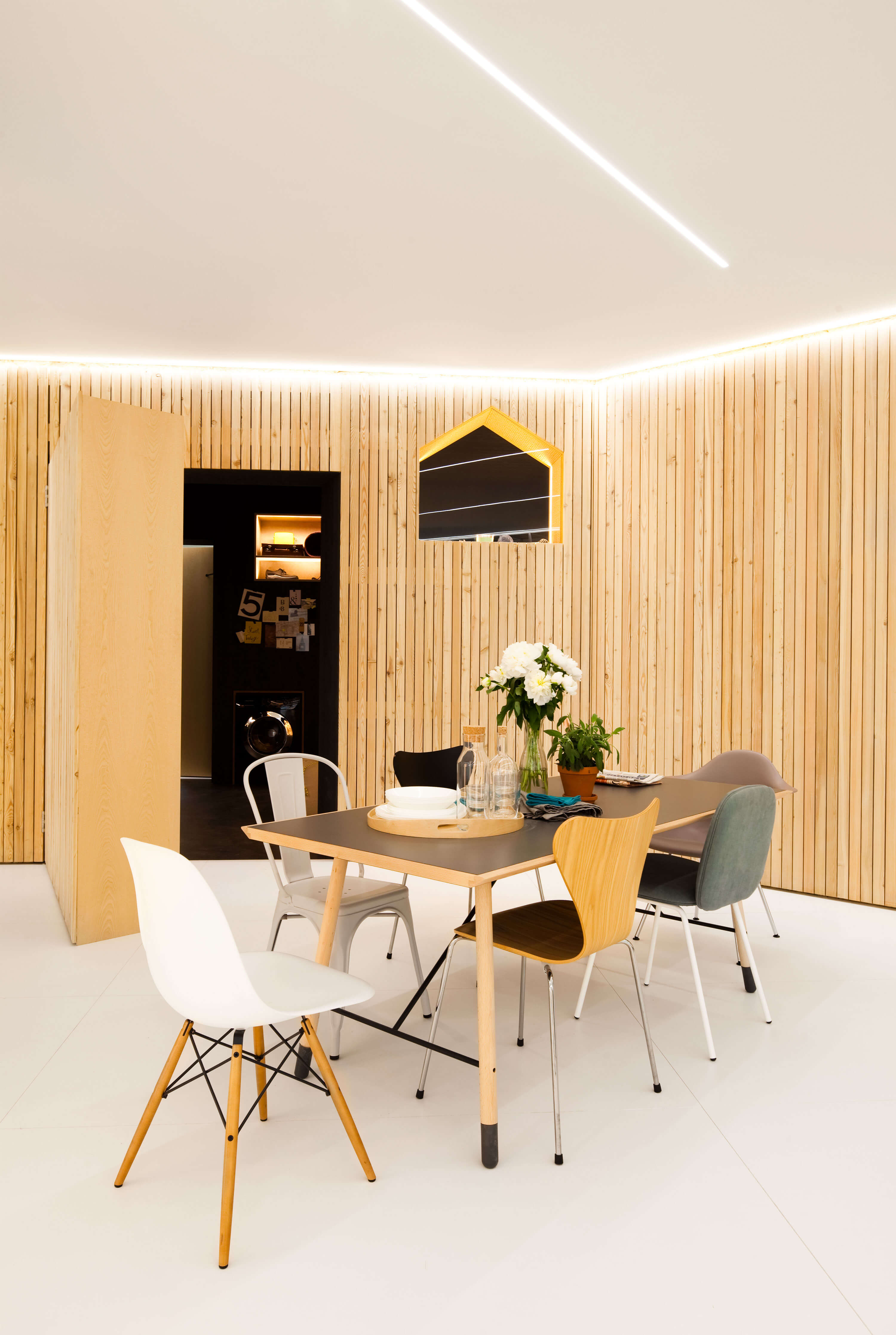 The wooden walls of the Mini Living: Do Disturb can be opened or closed